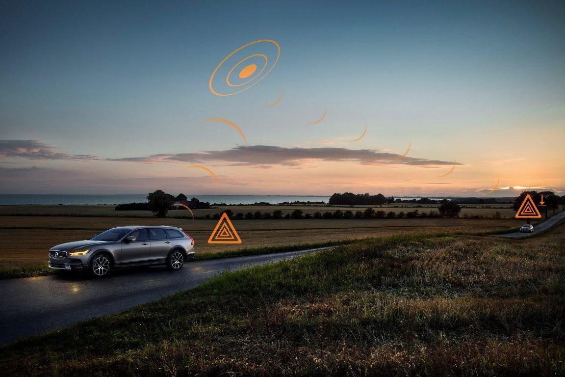 Автомобили Volvo обмениваются данными между собой