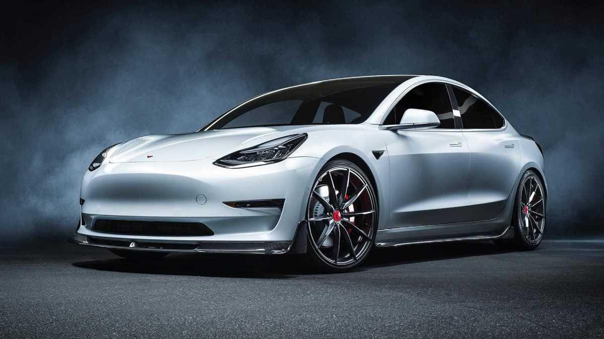 Volsteiner доработал Tesla Model 3