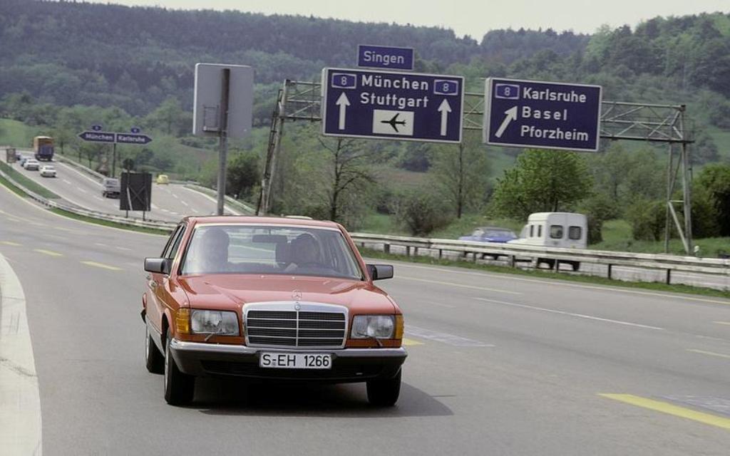 Mercedes-Benz W126