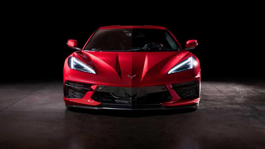 Спортивный стиль прослеживается абсолютно во всех деталях Corvette С8