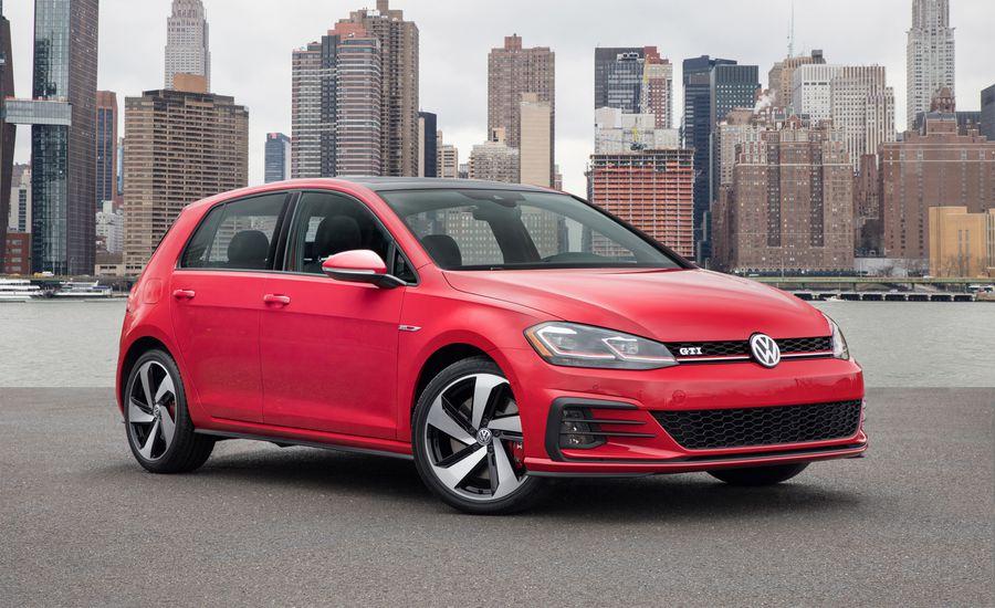 В 2013 году Volkswagen Golf стал лучшим автомобилем года
