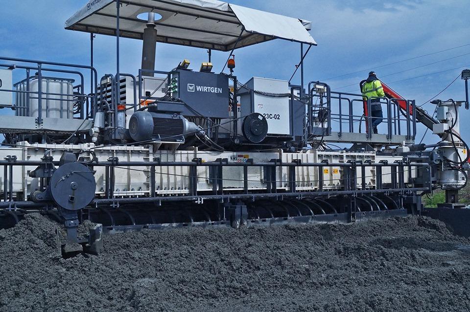При строительстве дороги Н-31 подрядчик использовал цемент украинского производства, который изготовлен по немецким технологиям