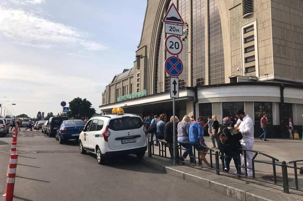 Эвакуировали все автомобили, которые были припаркованы с нарушение ПДД и существенно мешали проезду