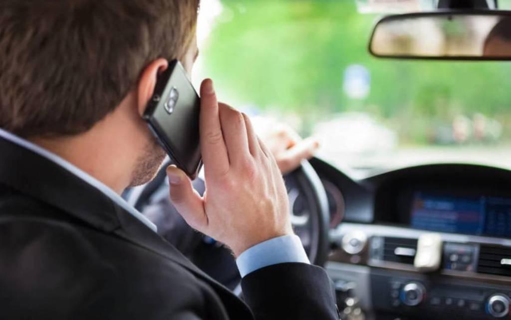 В Австралии камеры будут фиксировать использование телефона за рулем авто