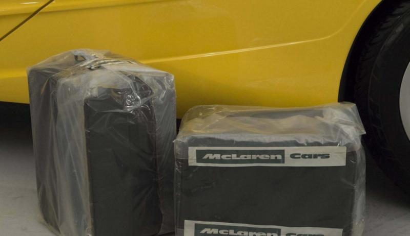 Чемоданы для умного багажника McLaren F1
