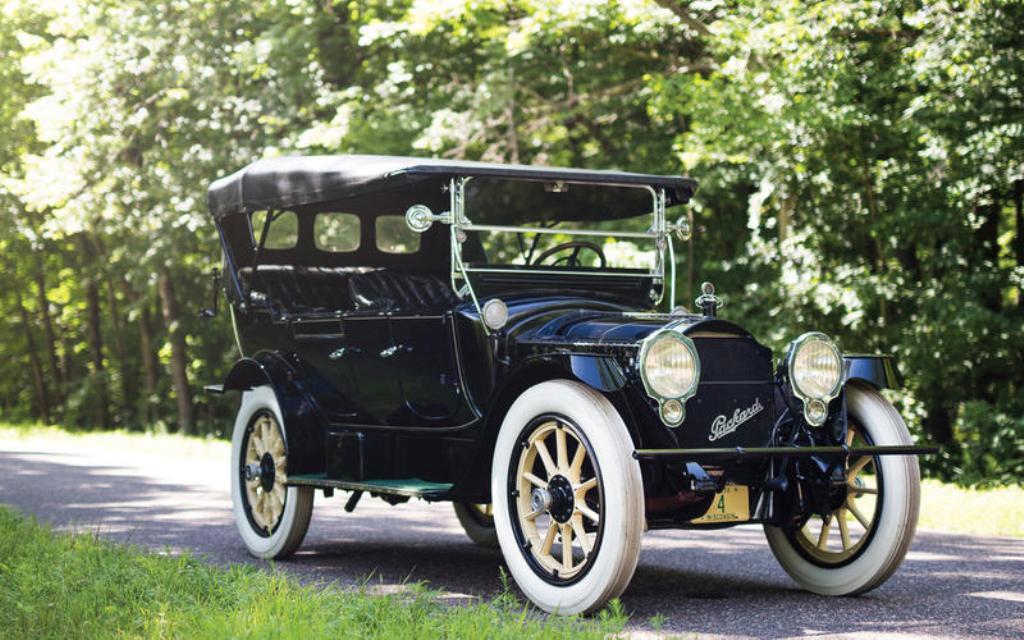 Packard Twin-Six (1915)
