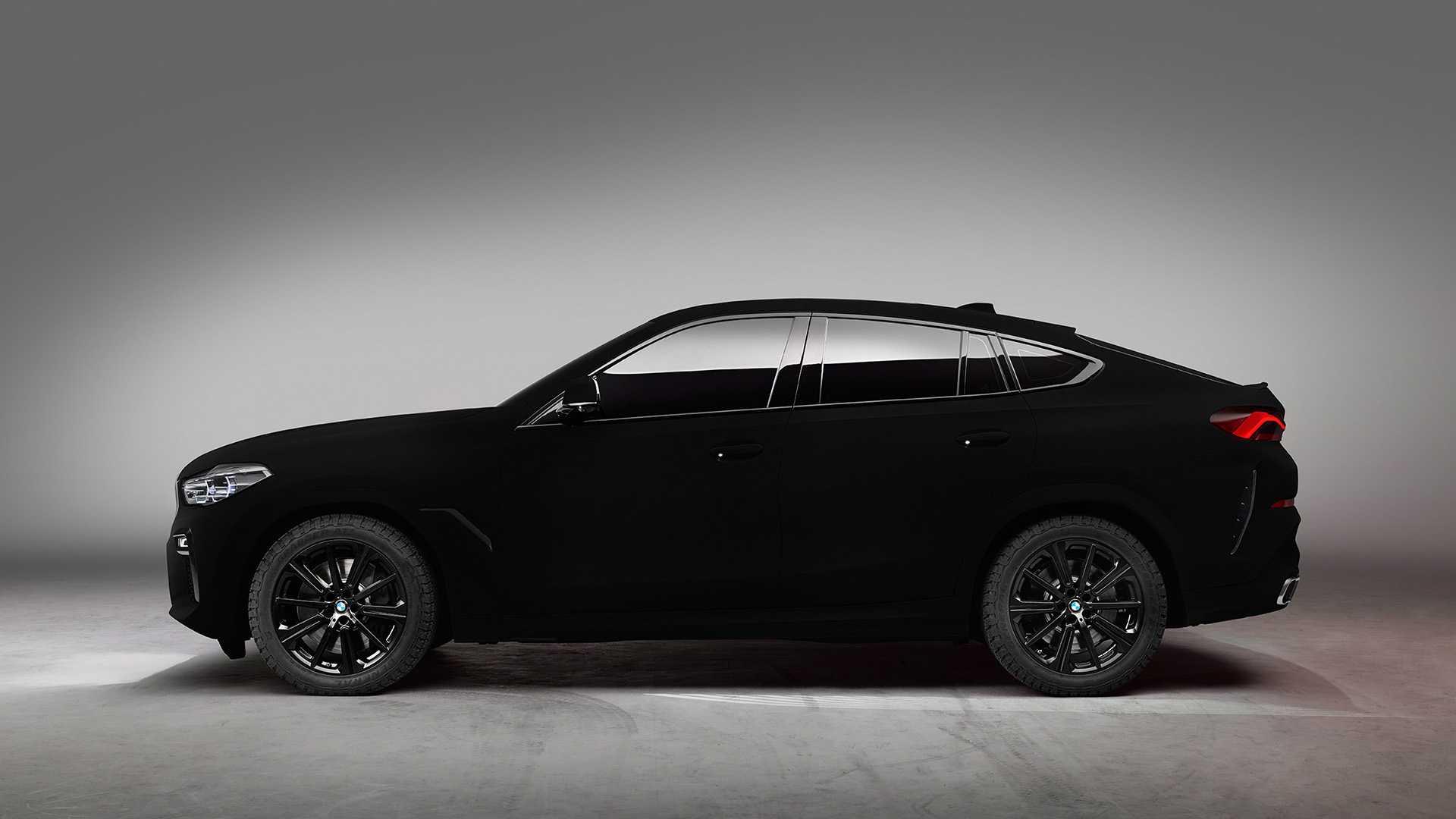Для этого производитель взял кроссовер X6 и окрасили его в самый черный в мире цвет