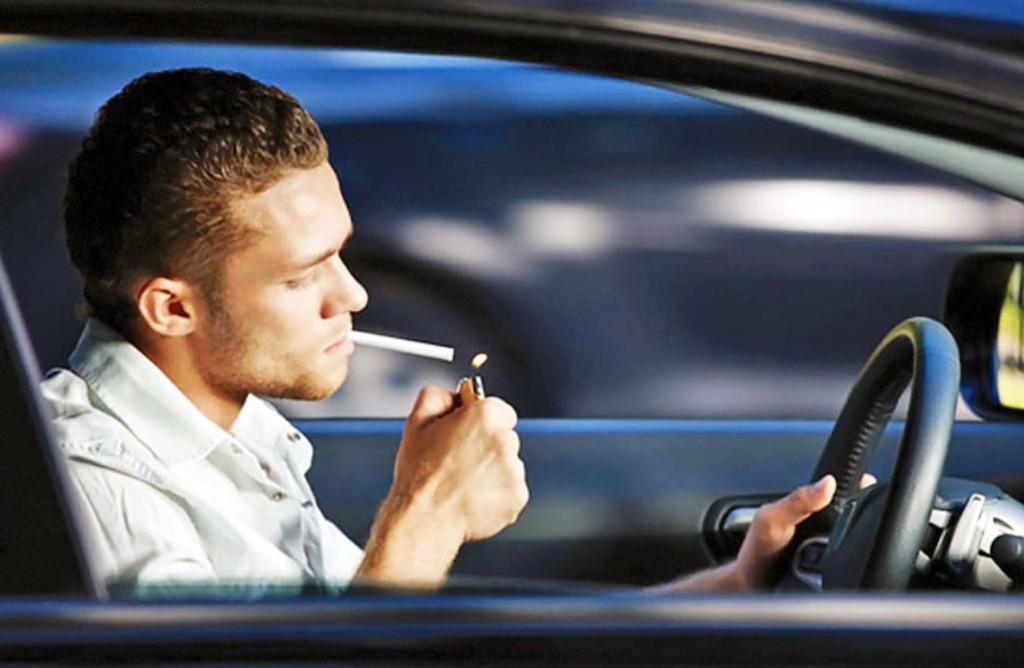 В Греции курение за рулем обойдется в 1500 евро