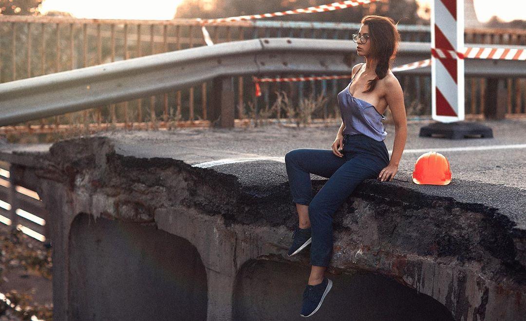 В своем Instagram модель рассказала о проблемах мостов в Украине