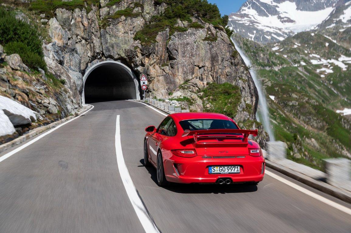 Эта модификация всегда являлась быстрейшей гражданской версией Porsche