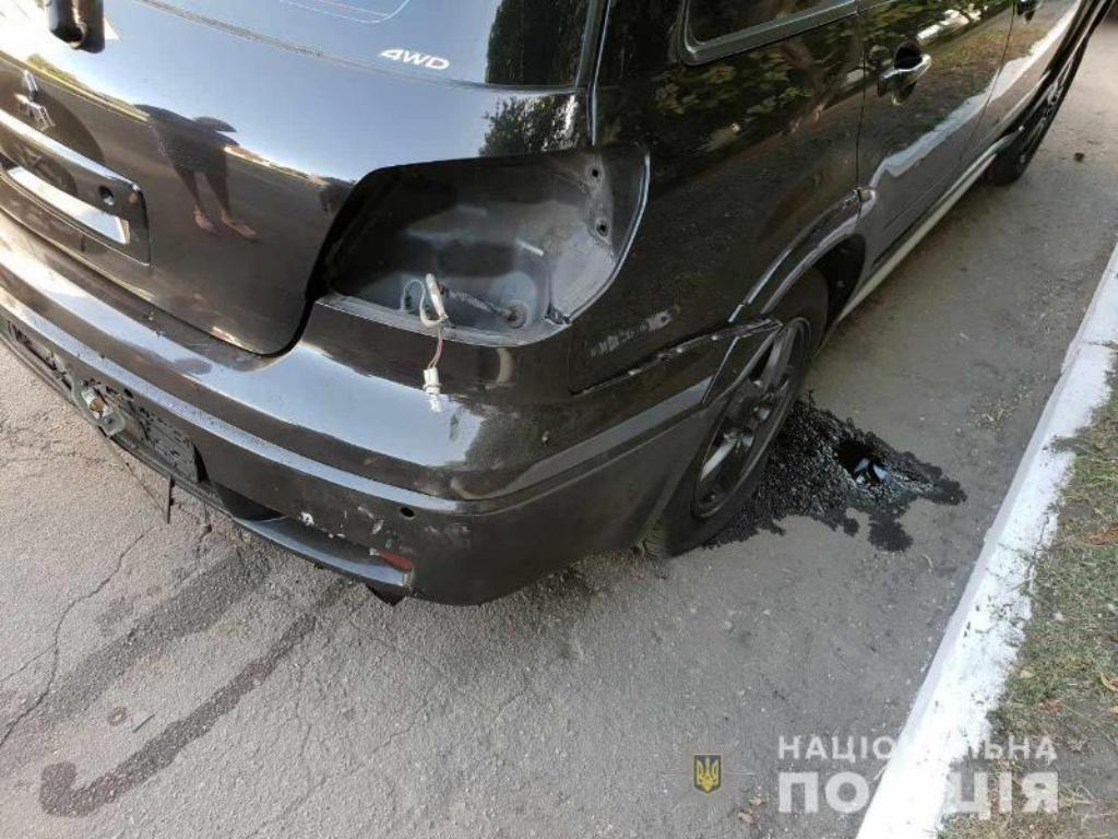 В Першотравенске взорвали автомобиль начальника местного отделения полиции