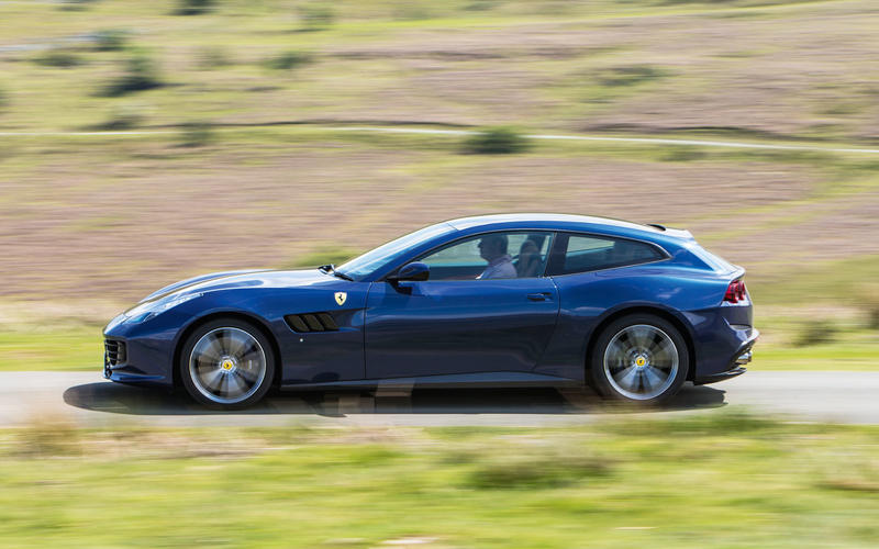 Ferrari GTC4 Lusso (2016)