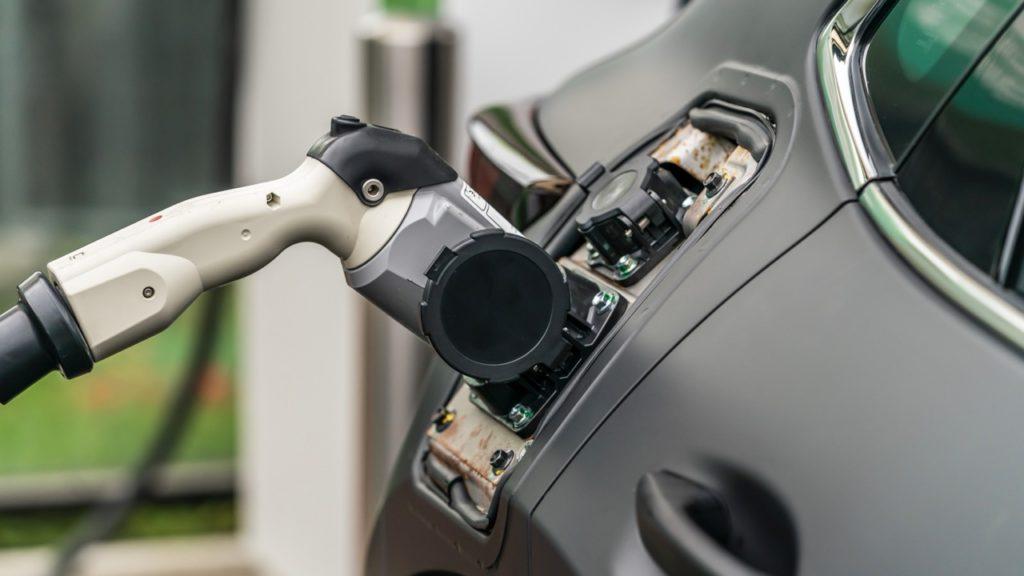 e-TRV получил электромотор мощностью 141 л.с. и 265 Нм крутящего момента