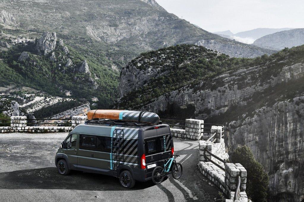 Boxer комплектуется каноэ из грецкого ореха и электрическим горным велосипедом