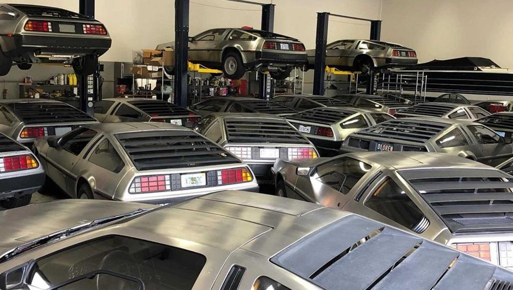 DeLoreans DMC-12