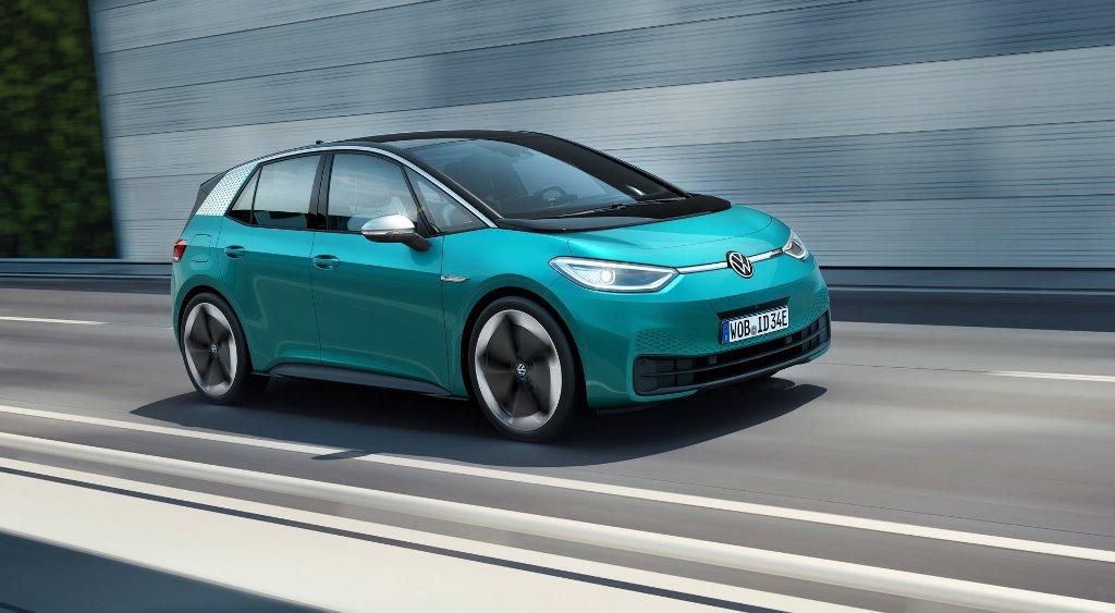 Он оснащен электродвигатель мощностью 204 л.с. и 310 Нм крутящего момента