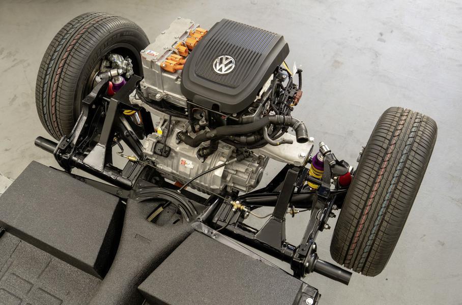 Volkswagen также работает над преобразованием моторов старых микроавтобусов