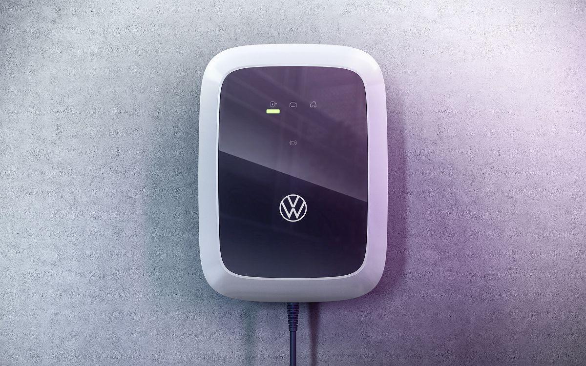 Volkswagen представит три варианта домашних зарядных станций