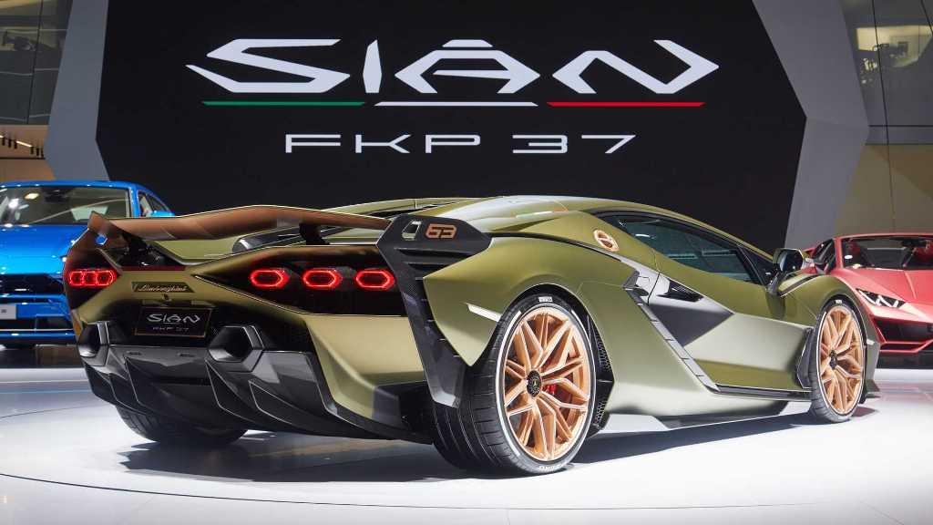 Sian FKP 37 отдает дань уважения Фердинанду Карлу Пьеху, который привел в 1998 году Lamborghini в семью Volkswagen