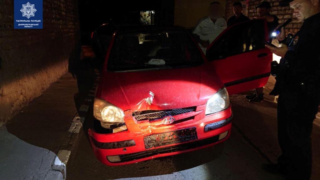Пьяный водитель влетел в столб