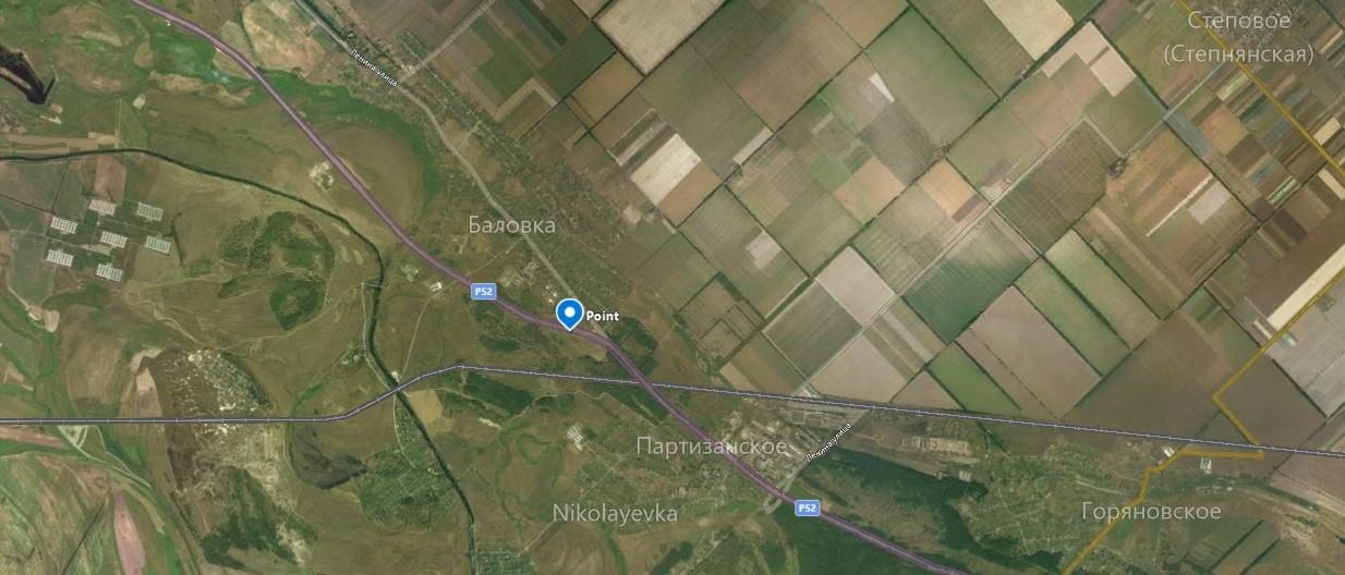 ыбоины образовались по центру дороги, прямо перед поселком Баловка, по направлению в город