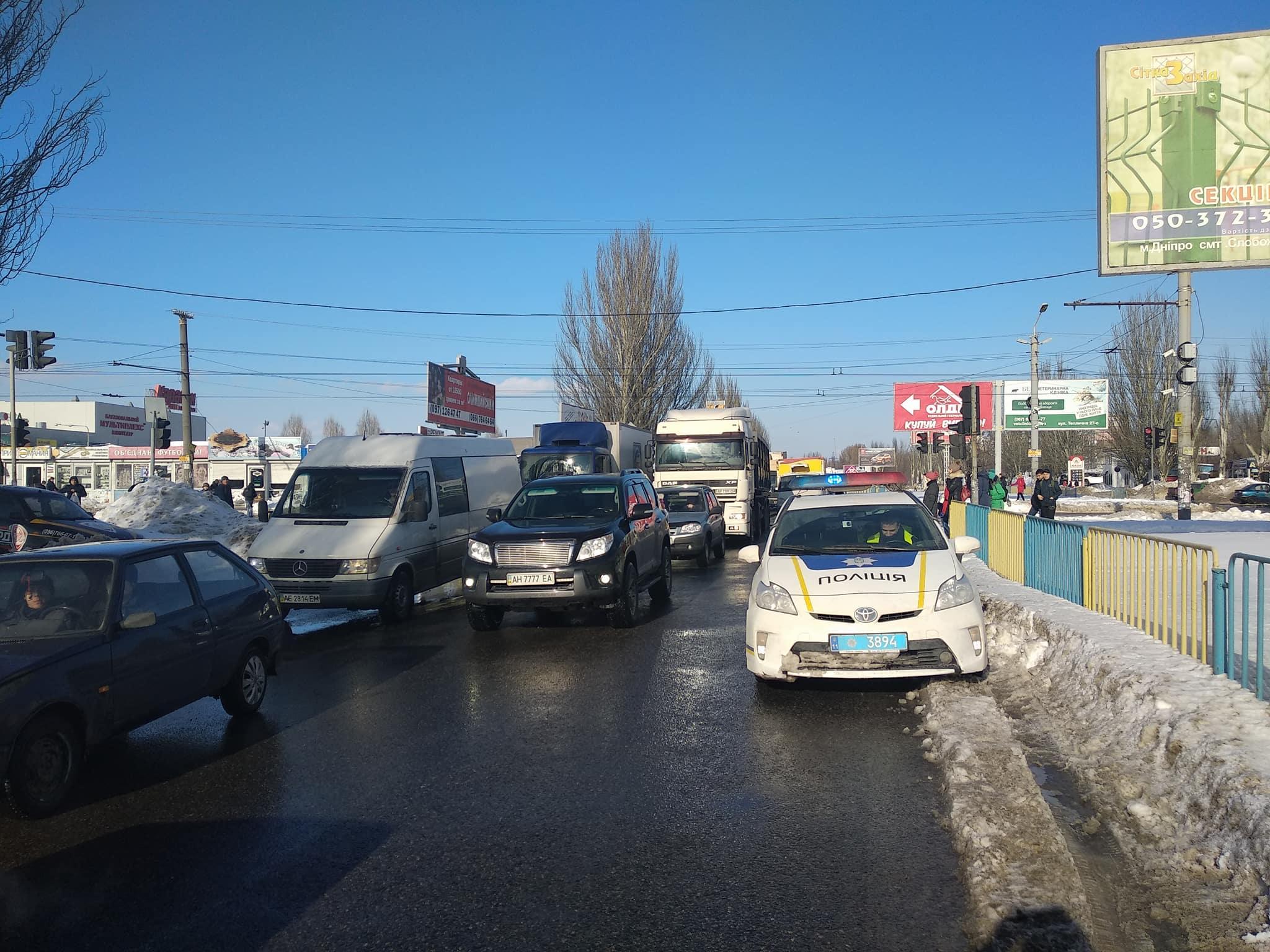 Перекресток Донецкого шоссе с улицей Березинской