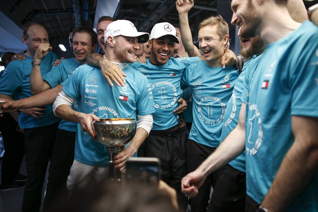 Достичь этого результата команде Mercedes удалось благодаря победе Валттери Боттаса на Гран-при Японии