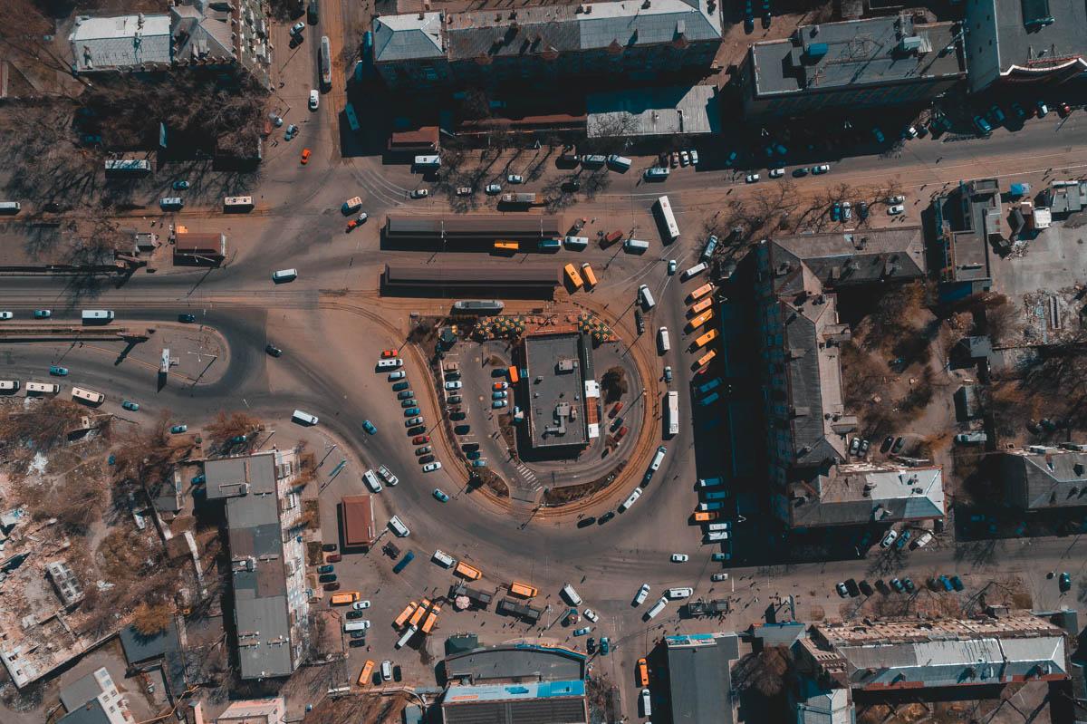 Старомостовая площадь. Эксплуатация подземных переходов в качестве рынка, невозможность использования их по назначению