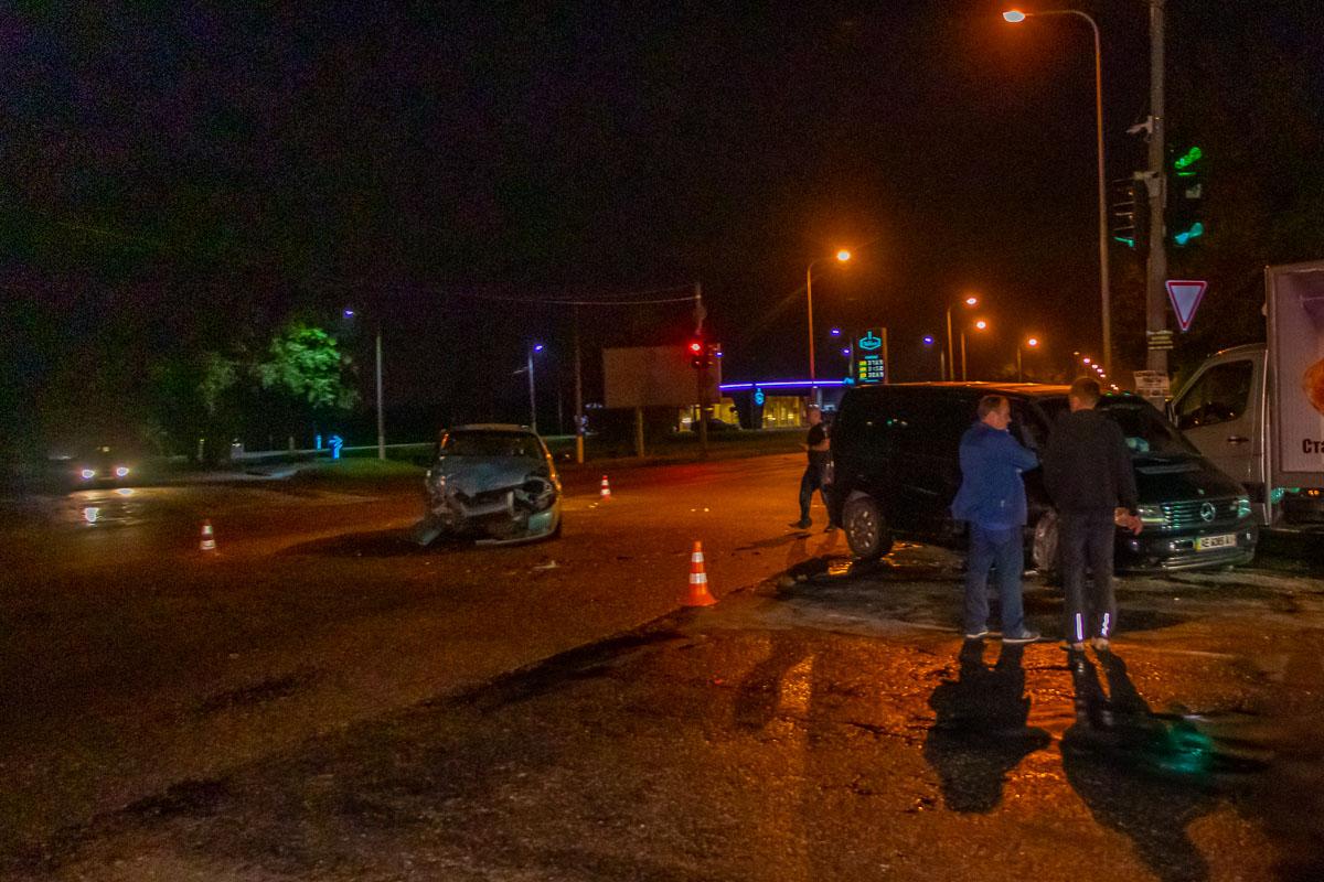 В августе 2019 на пересечении улиц Яснополянской, Аэропортовской и Старокодакской случилось ДТП