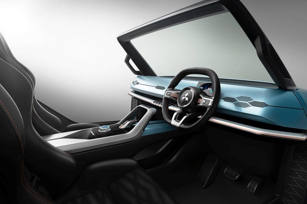 Концептуальный автомобиль является воплощением идеи компании Mitsubishi «Управляй своими амбициями»