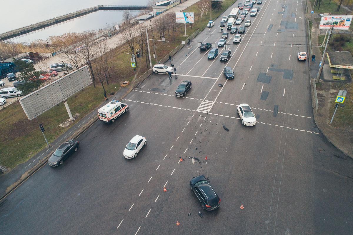 В марте 2019 на пересечении Набережной Заводской и улицы Павлова столкнулись три авто