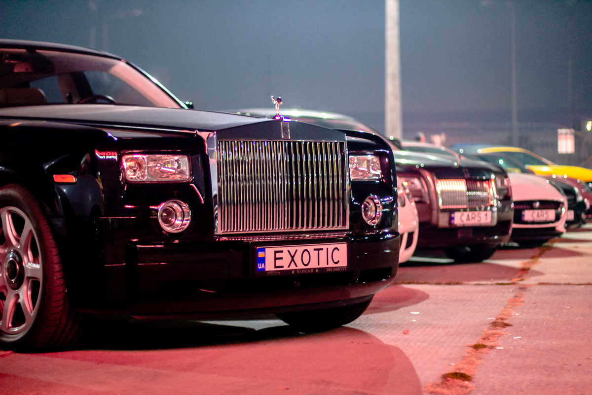 В Киеве прошла вечеринка с суперкарами