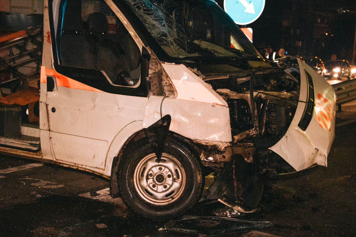 """Водитель """"скорой"""" погиб на месте, а фельдшер по дороге в больницу"""