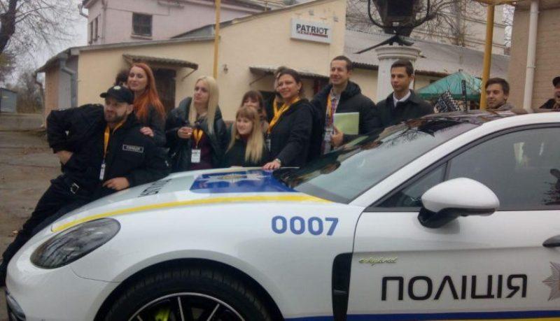 """Porsche Panamera в полицейской ливрее задействован в картине """"Нереальный копец"""""""