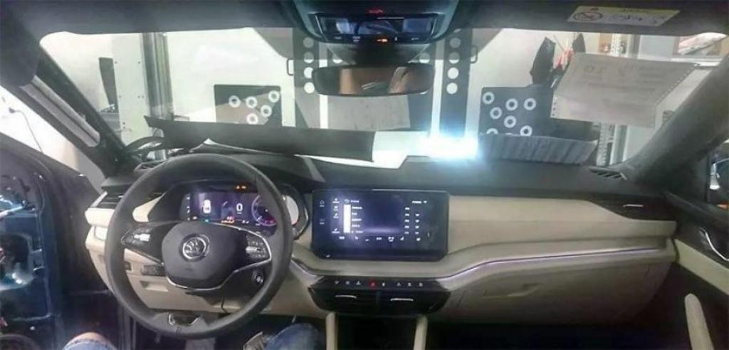 Салон обновленной Octavia получит многоуровневую мультимедийную систему