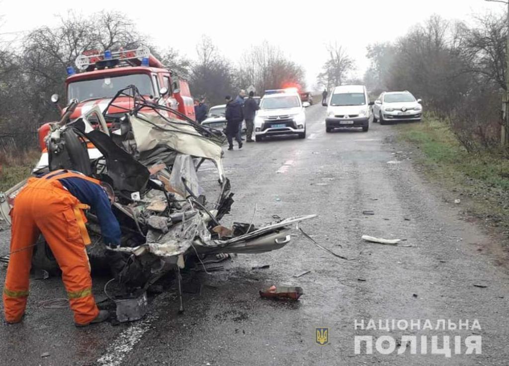 Три пассажира легковушки погибли на месте