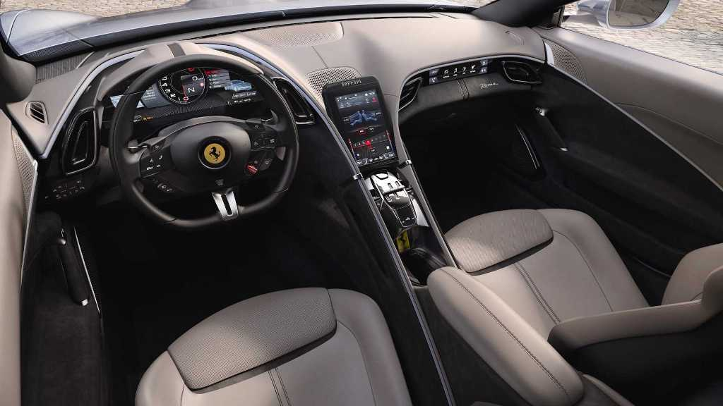 Под капотом Roma расположился 3,9-литровый турбодвигатель V8 мощностью 612 л.с.
