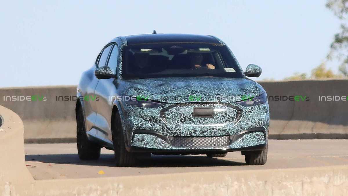 Новый электрический кроссовер Ford Mustang засветился на фото