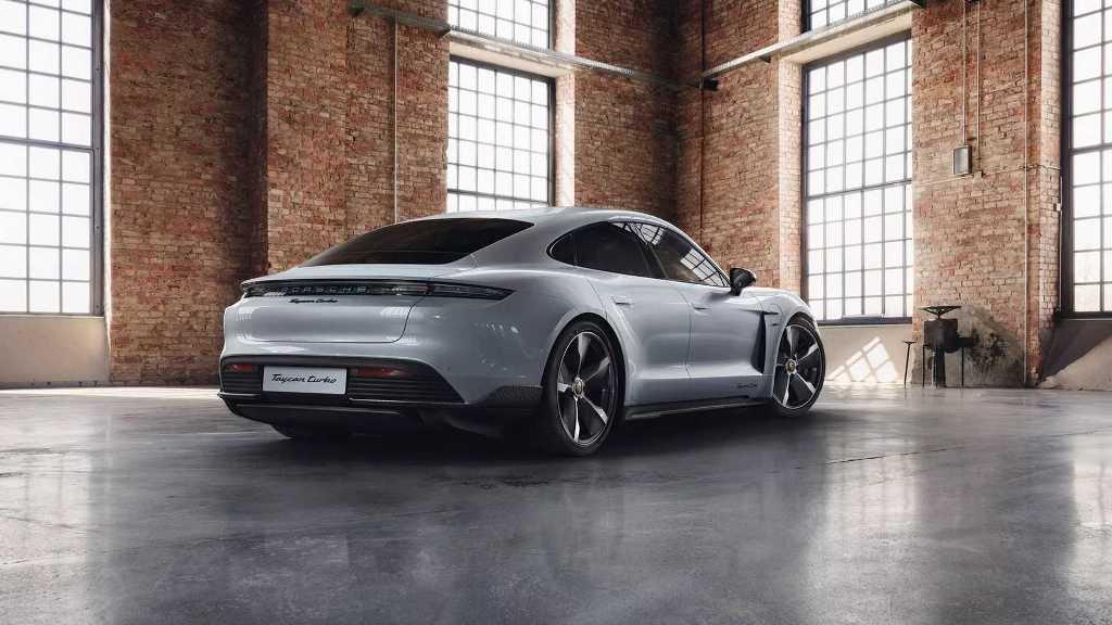 Porsche Taycan получил пакет внешних доработок Carbon SportDesign