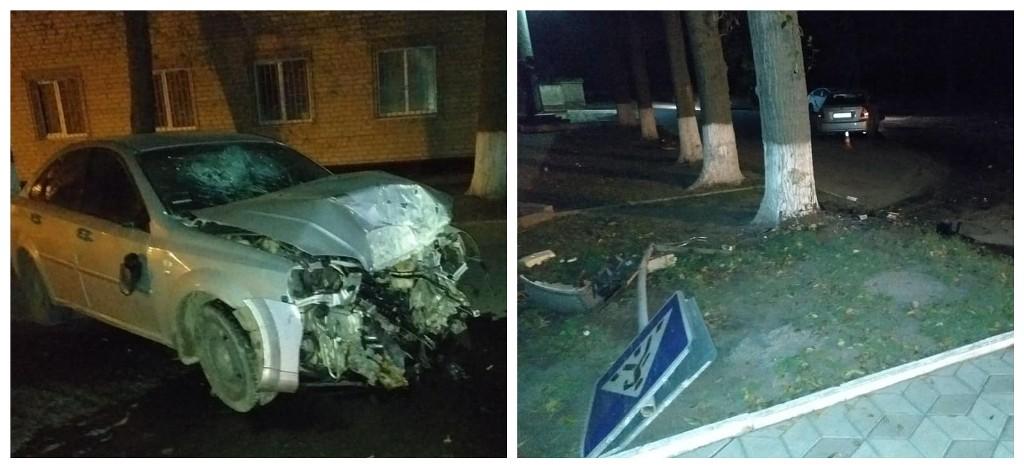 Пьяный водитель врезался в дерево