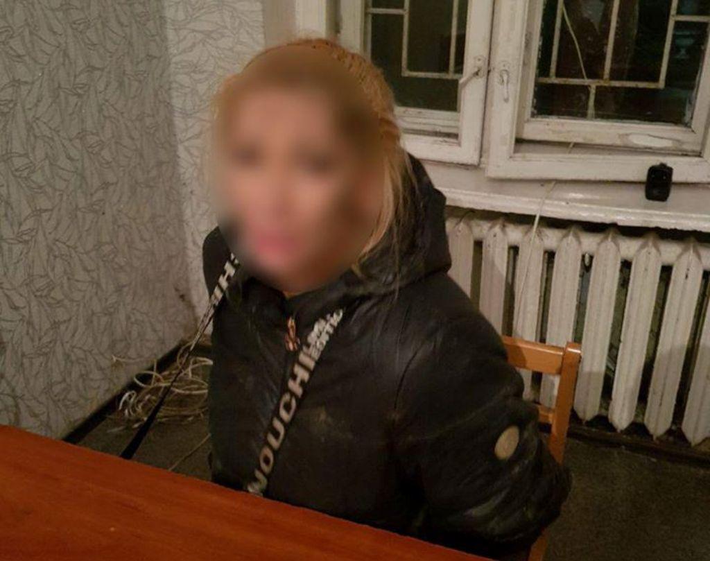 Женщину в наркотическом опьянении доставили в отделение полиции