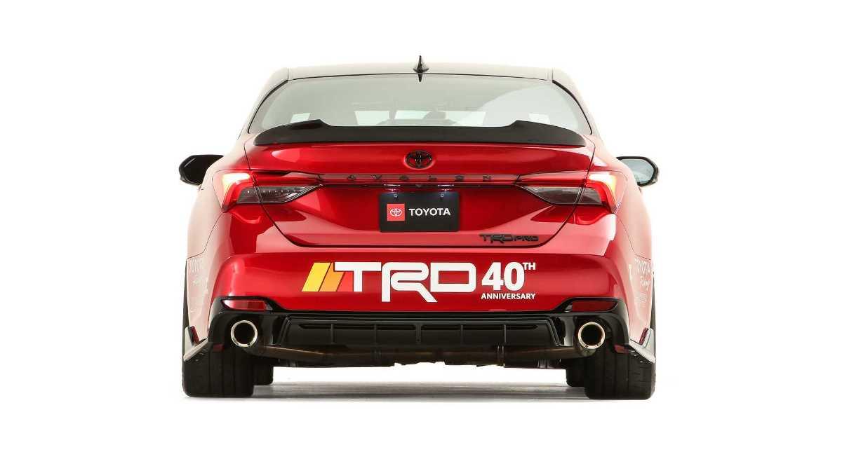 Toyota представила специальную версию Avalon