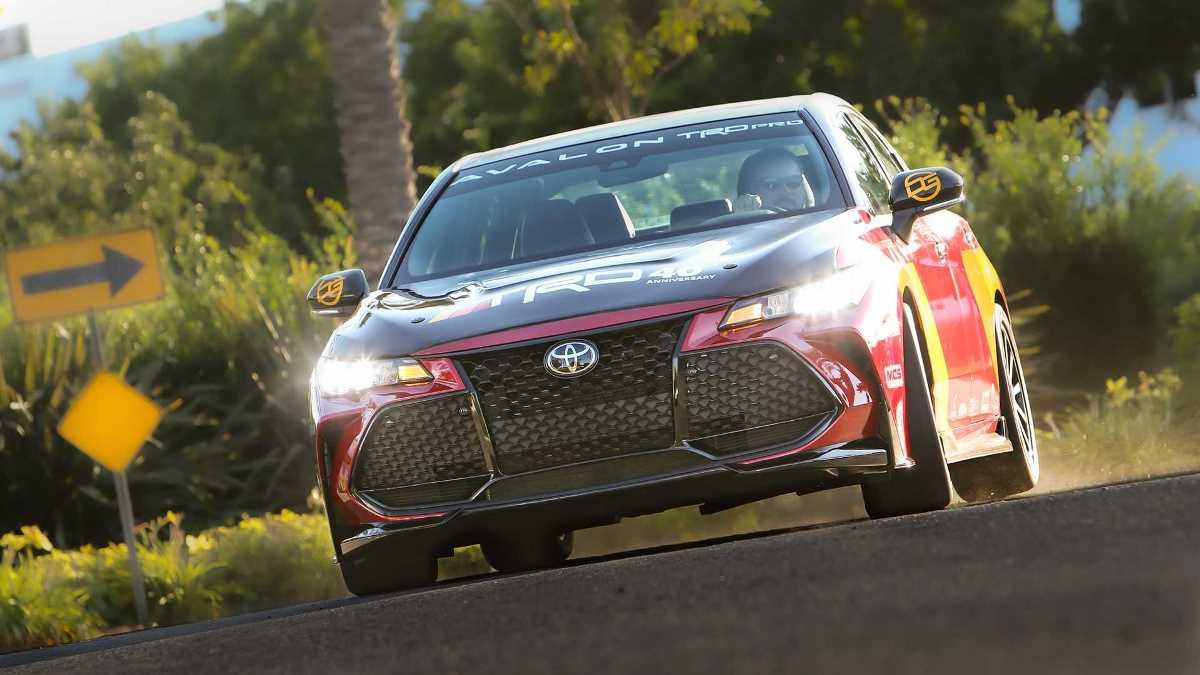 Автомобиль сделан в честь 40-летия спортивного подразделения Toyota Racing Development