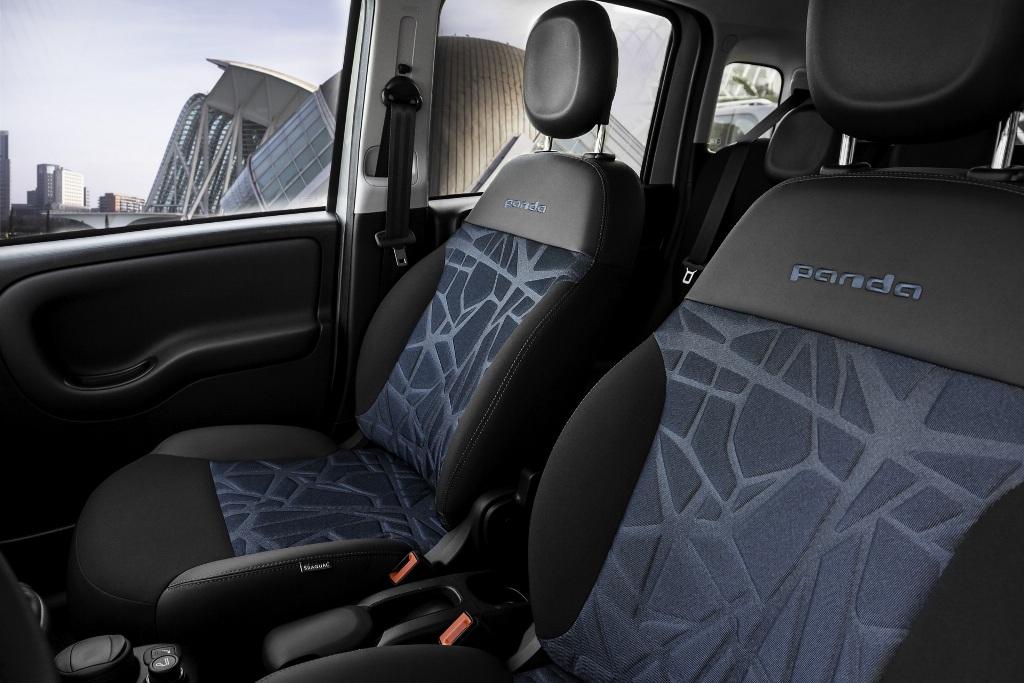 Fiat 500 и Panda Hybrid будут окрашены в эксклюзивный цвет Dewdrop Green