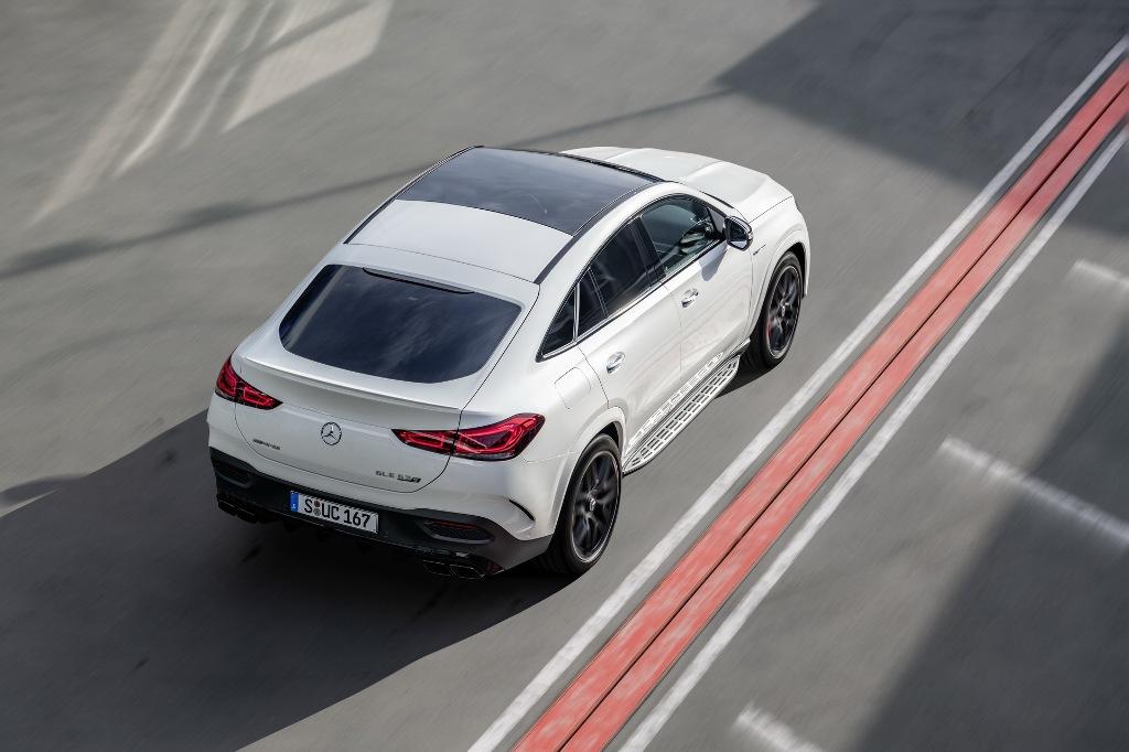 В оснащение кросс-купе входит блокируемый задний дифференциал и пневматическая подвеска AMG Ride Control