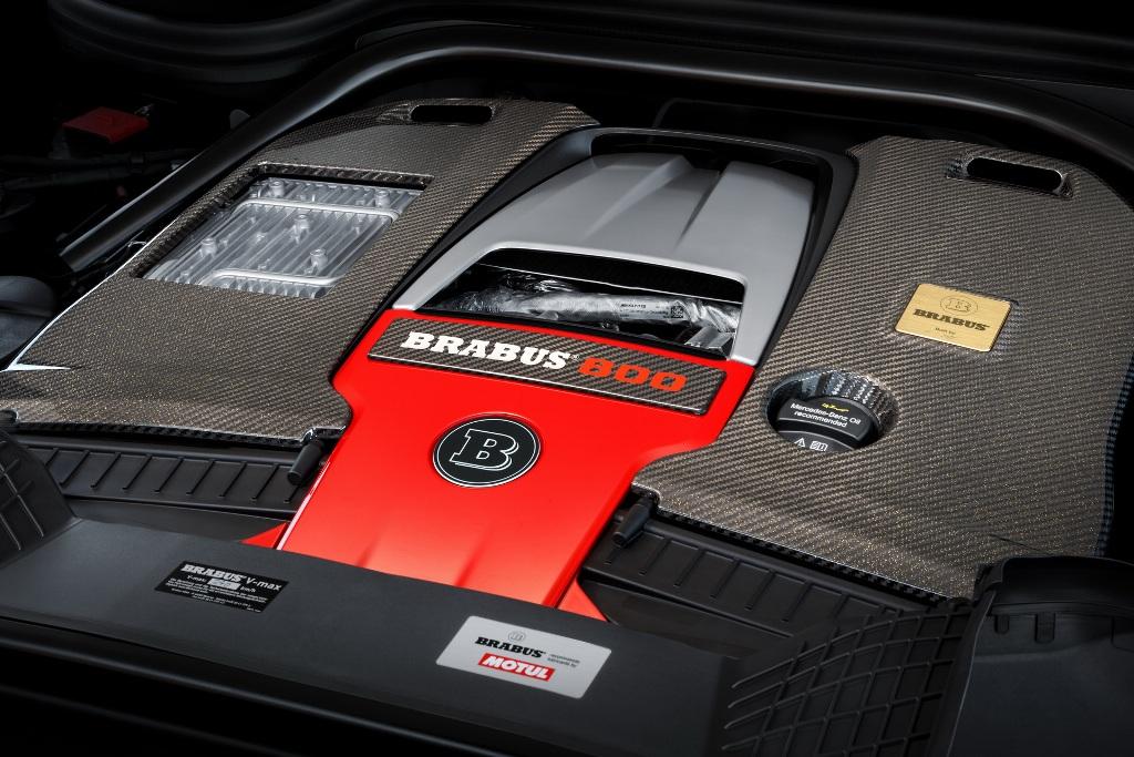В движение Brabus 800 Adventure XLP приводит 4,0-литровый двухцилиндровый двигатель V8 от AMG с отдачей в 800 л.с.