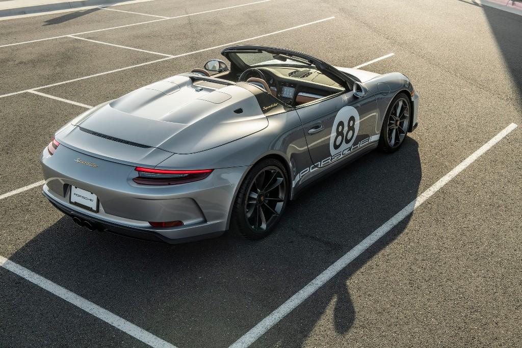 Вырученные средства от продажи Porsche 911 Speedster пойдут в фонд по борьбе с последствиями пандемии коронавируса