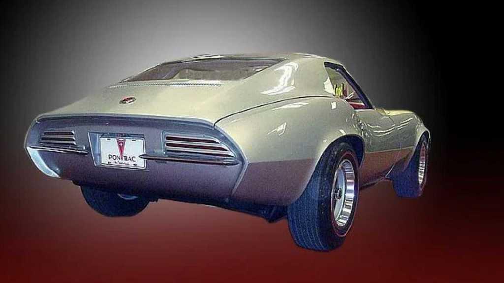 Всего было выпущено два ходовых прототипа Pontiac Banshee