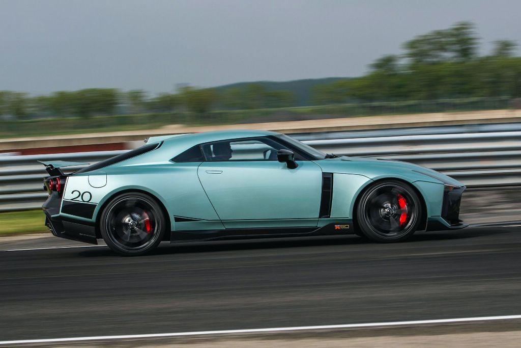 убличный дебют Nissan GT-R50 состоялся на итальянской трассе Тацио Нуволаре