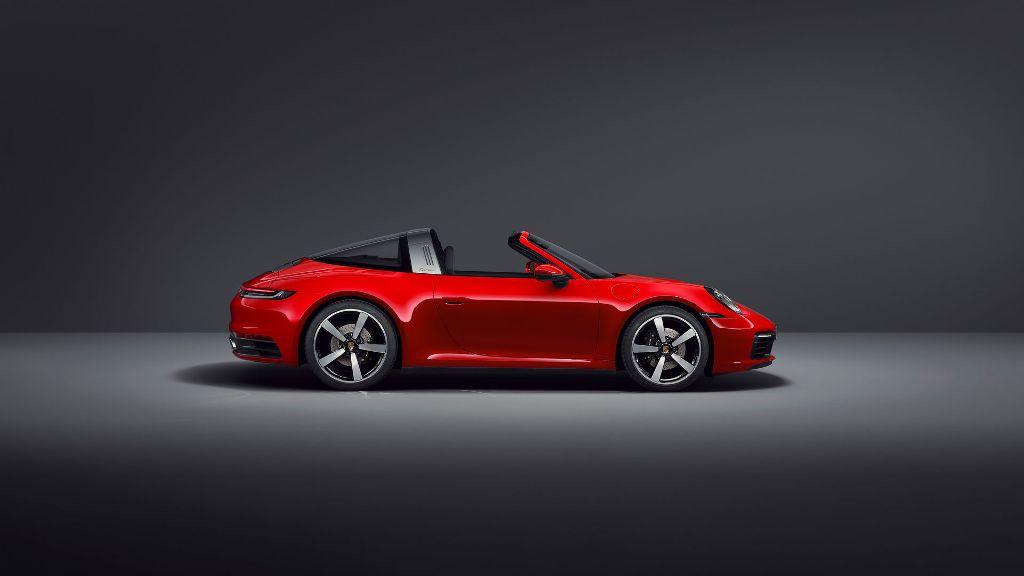 Мотор выдает 380 л.с. мощности и 450 Нм крутящего момента